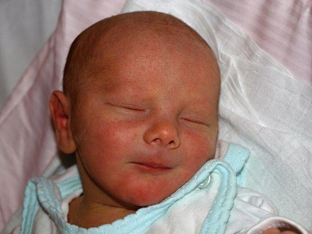Vladimíře Kopecké z Varnsdorfu se 16. března ve 4.22 v rumburské porodnici narodil syn Matěj Stach. Měřil 50 cm a vážil 3,41 kg.