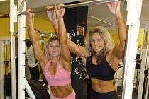 KULTURISTIKA učarovala nejen Lucii Limbrunnerové (vpravo), ale také její trenérce Renatě Richterové. Obě už mají plány na další sportovní akce.