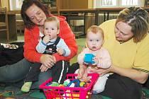 V mateřském centru si hrají nejen děti