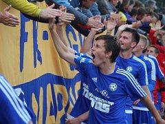 DALŠÍ TŘI BODY. Varnsdorf (v modrém) doma porazil Jihlavu 1:0.