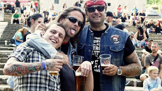 Rockový festival na děčínské Bažantnici.