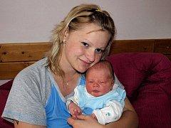Iloně Mikešové z Rumburka se 30.dubna v 18.05 v rumburské porodnici narodil syn Dominik Mikeš. Měřil 51 cm a vážil 3,6 kg.