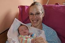 Petře Pýchové z Kamenického Šenova se 12. června v 9.29 v rumburské porodnici narodil syn Petr Pýcha. Měřil 52 cm a vážil 3,88 kg.