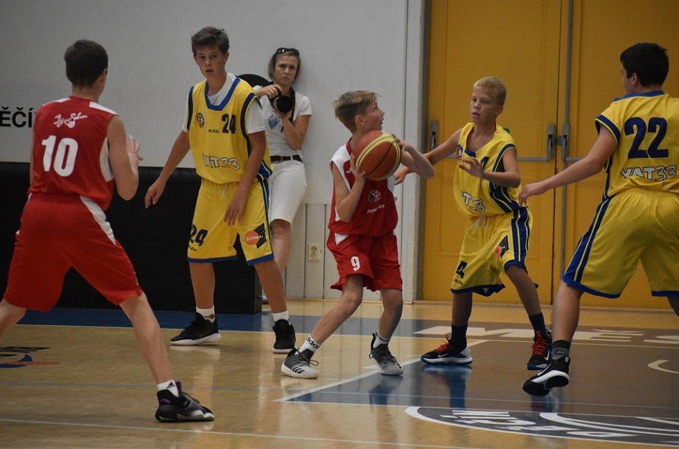 Ústí nad Labem (žlutá) vs. Pardubice.