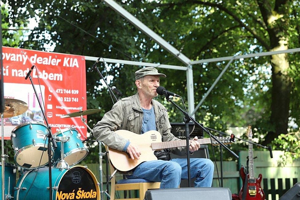 Karlovarský festival dorazil do Rumburka, zazpíval i Schmitzer.