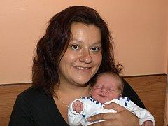 Lence Němečkové z Mikulášovic se 5. července ve 23.55 v rumburské porodnici narodil syn Filip Němeček. Měřil 50 cm a vážil 3,46 kg.
