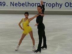 DĚČÍNSKÝ KRASOBRUSLAŘ  Michal Češka bude se svou kanadskou partnerkou  Cortney Mansour reprezentovat na olympiádě v Pchjončchangu.