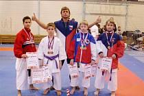 Z Prahy přivezli osm medailí.