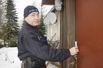 Policisté kontrolují preventivně chaty po celém kraji.