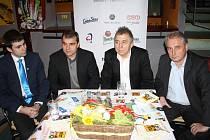 Uvést regionální ozvěny Febiofestu přijel do Děčína osobně uvést prezident filmového festivalu režisér Fero Fenič (na snímku druhý zprava).