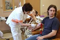 Hokejisté darovali krev