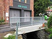 Mostek přes Křinici v Krásné Lípě.