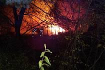 Požár chatky v Choraticích.