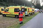 Nácviku záchrany lidí z plného vlaku se na česko - německé hranici zúčastnili také záchranáři, hasiči a policisté z Čech.