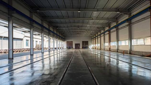 Nová hala pro demontáž vagónů v Děčíně.