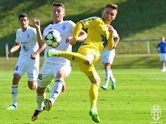 PORÁŽKA. Varnsdorf (ve žlutém) prohrál s Mladou Boleslaví 0:3.