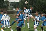 PARÁDA! Fotbalisté Horního Podluží (modrá) doma přejeli Chabařovice 6:0.