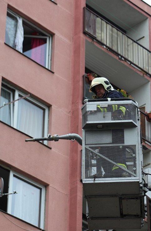 Požár bytu v Březinách.
