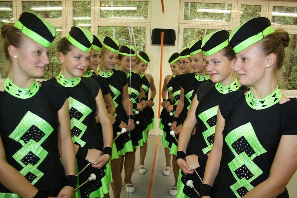 Jako první se v nové tančírně předvedly mažoretky.