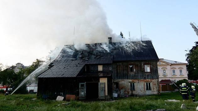 Požár rodinného domu v ulici Filipovská v Jiříkově.