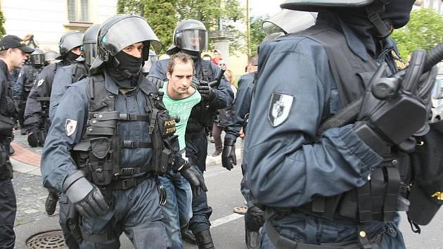 Provokatéra Lukáše Kohouta sebrala policie.