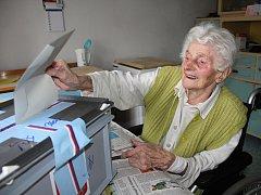 Ani ve 102 letech si nenechala ujít volbu prezidenta Marie Junásková z Horních Habartic.