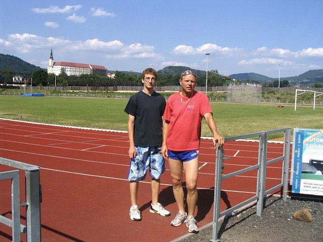 Atlet Tomáš Škoda s trenérem Jaroslavem Caldou