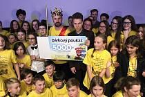 Zlatým Ámosem se letos stal učitel z České Kamenice.
