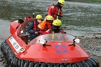Velké cvičení hasičů přilákalo také děti.