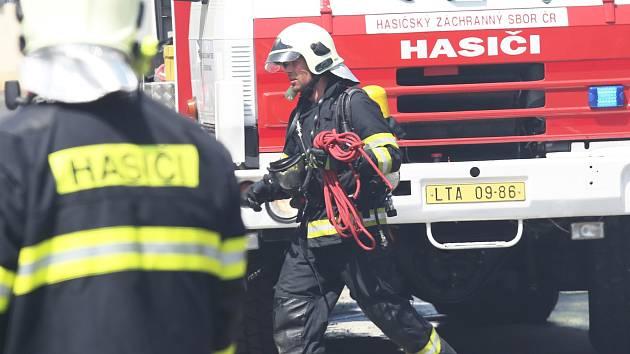 Lidi z bytu v centru Brna vyhnal požár. Škoda je sto padesát tisíc korun
