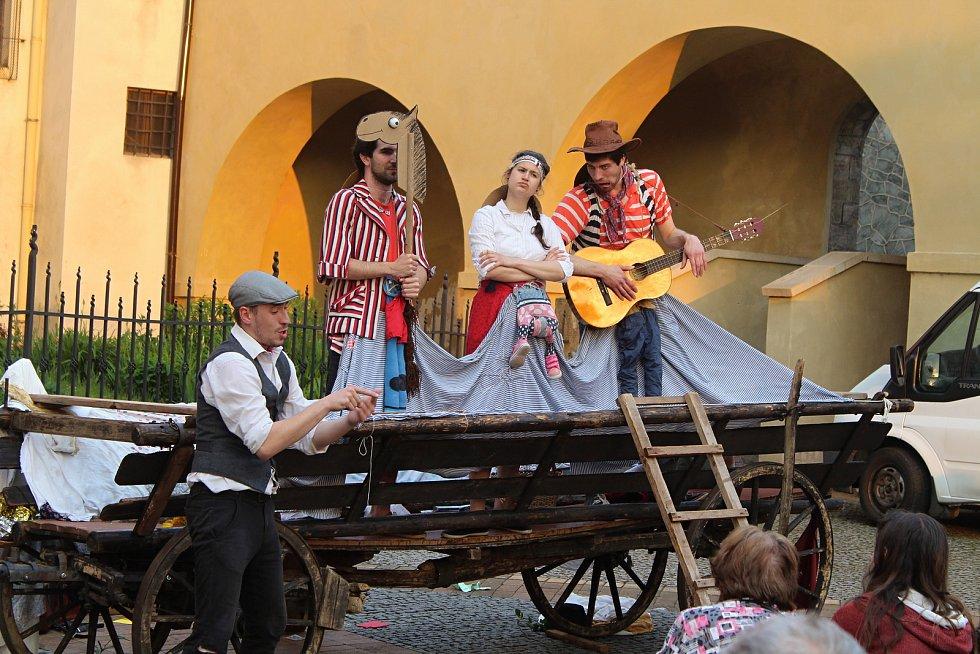 Festival pouličního divadla v Děčíně v roce 2019.