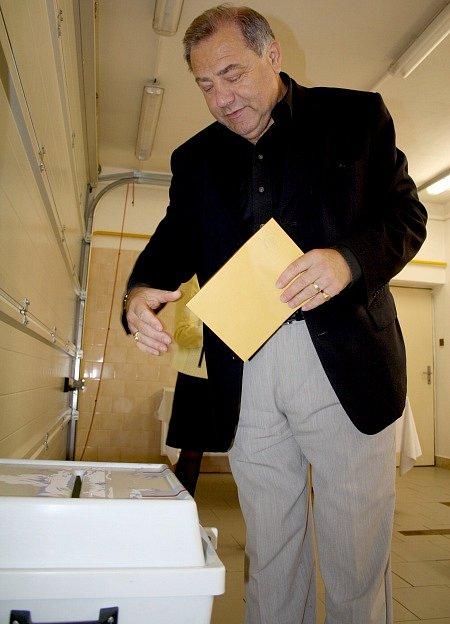 Primátor Děčína František Pelant volil v sobotu 11. října 2014 na Jalůvčí
