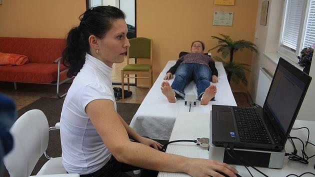 Přistroj je napojený na počítač