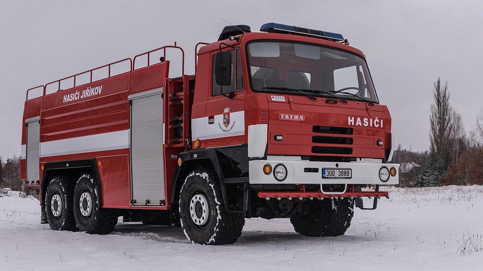 Tatrovka dobrovolných hasičů z Jiříkova prošla generální opravou.