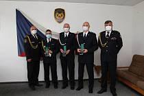 Hasiči z Děčínska si převzali medaile Za věrnost.
