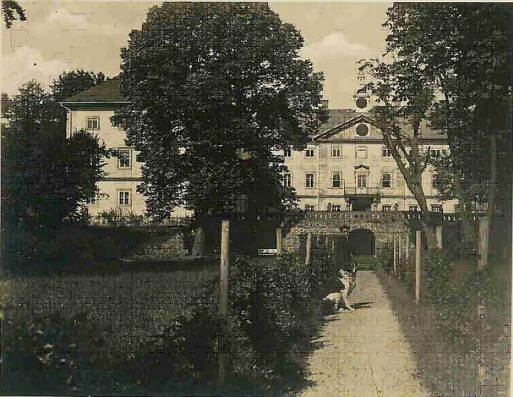 Archivní snímek zámku.