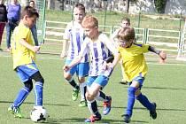 FAPV DĚČÍN nestačila v Teplicích pouze na Junior Chomutov. Na snímku jsou v děčínském dresu Tomáš Jelínek, Matěj Chvojka a Jan Zuček.