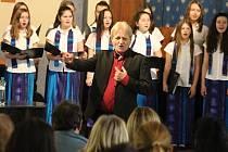 Benefiční koncert v děčínské synagoze, jehož výtěžek pomůže Miroslavu Červenkovi financovat biologickou léčbu rakoviny.