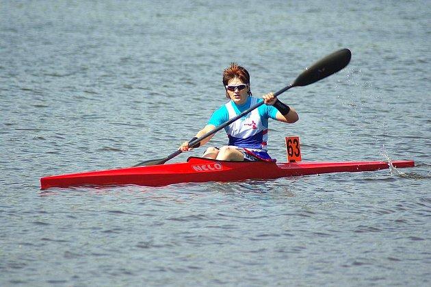 LENKA HROCHOVÁ z týmu TJ Kajak Děčín se předvedla v dobrém světle na nominačním závodě rychlostních kanoistů.
