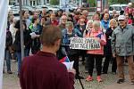 Demonstrace na Masarykově náměstí.