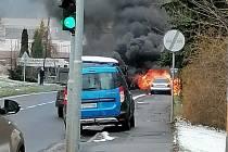Požár auta v Bynově.