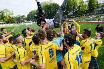 PŘED DVĚMA LETY slavil Varnsdorf druhé místo. Postupová parta se sejde k benefičnímu utkání.