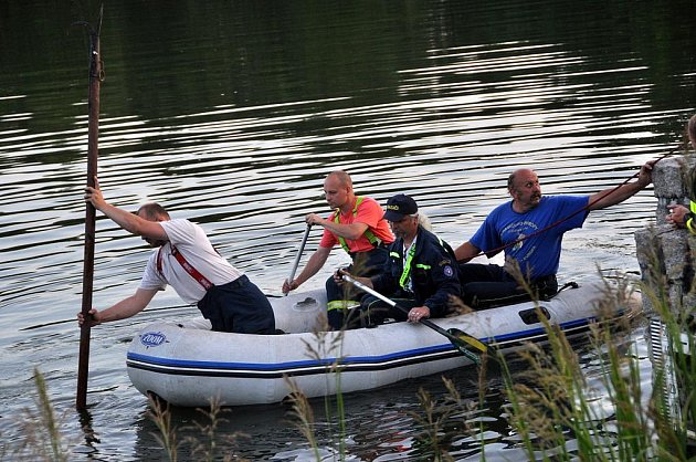 Sedmnáctiletý mladík se utopil v Krásné Lípě.
