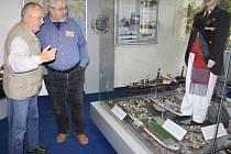 Děčínské muzeum znovuotevírá expozici Vývoj lodní dopravy na Labi.