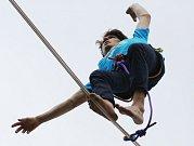 Danny Menšík, provazochodec, přešel po laně údolí Labe v Děčíně, překonal 300 metrů ve stometrové výšce