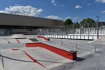U děčínského zimního stadionu vzniká nové víceúčelové sportoviště.