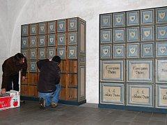Dvě stě let staré registratury se vrátily do Benešova nad Ploučnicí.