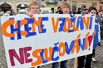 Protest studentů proti slučování škol v Rumburku