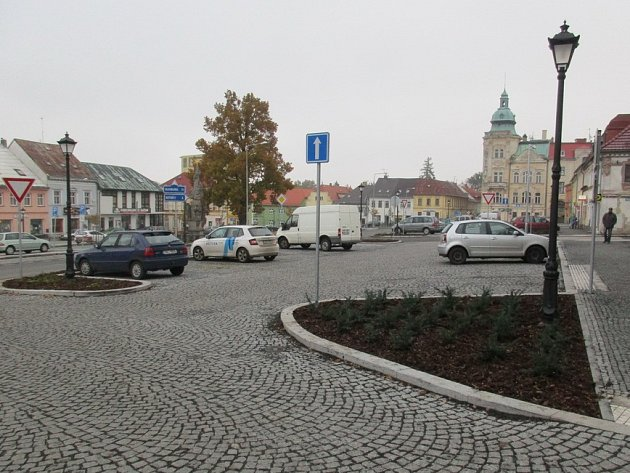 Nová zeleň ve Šluknově.