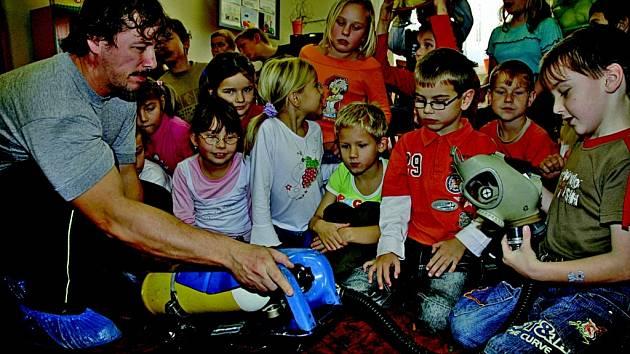 Děti poznávaly práci hasičů